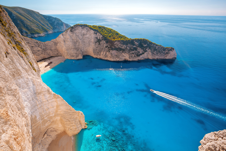 Zante's inside to the Night life, Bars and Beaches!